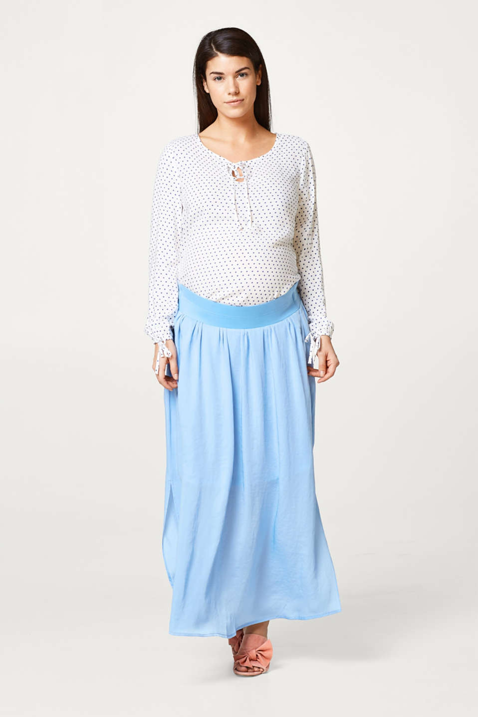 Trendy maxi skirt, under-bump waistband