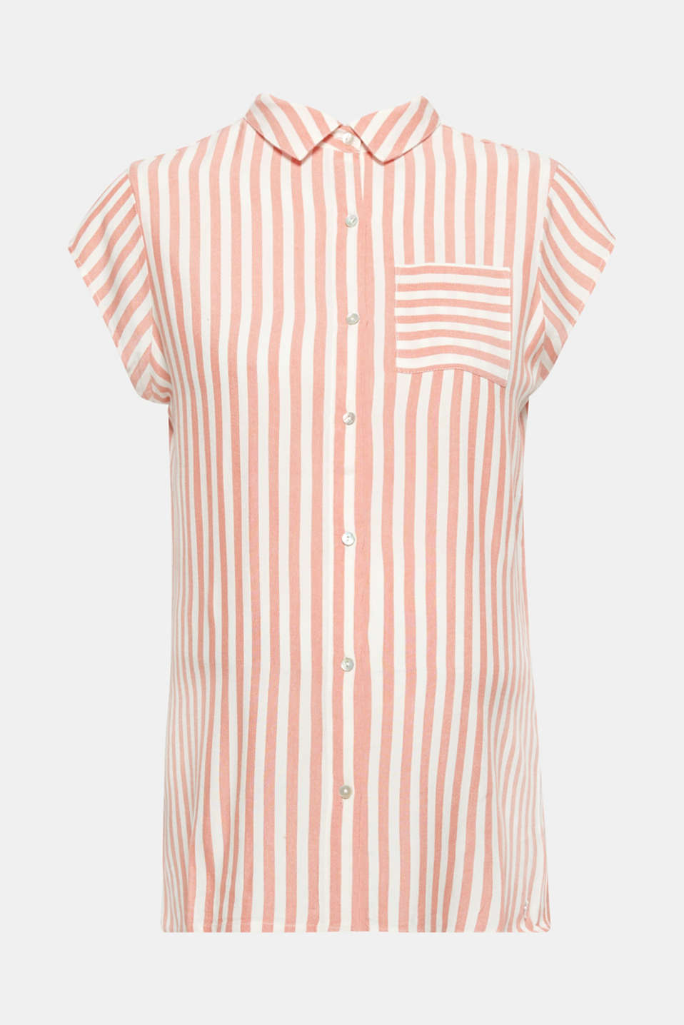 This lightweight shirt blouse with a fashionable striped pattern and breast pocket is on-trend during pregnancy and, thanks to the button placket, practical for breastfeeding!