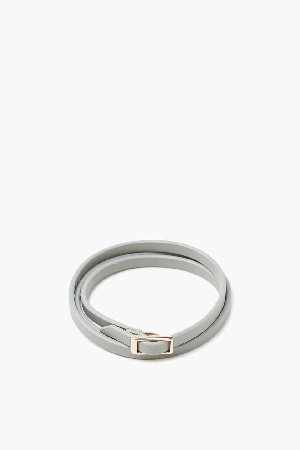 Narrow and minimalist: triple-wrap bracelet made of genuine leather with a metal buckle