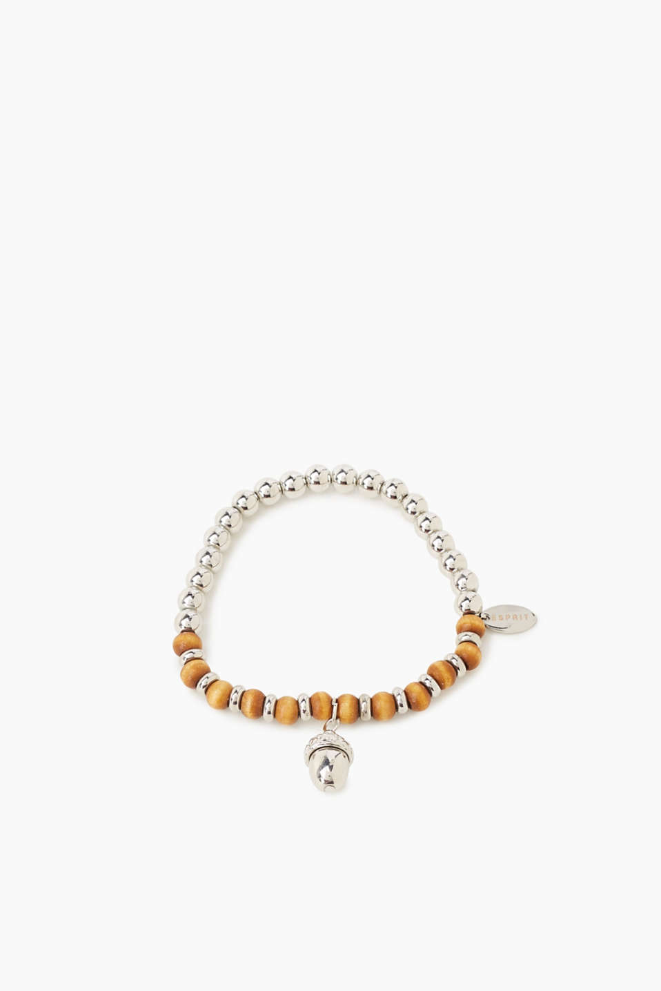 Tribal style meets metallic sheen: This pearl bracelet with a charm pendant looks both natural and sophisticated!