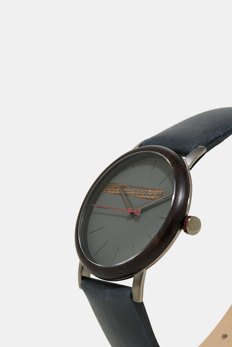 Mens watch with a wooden bezel