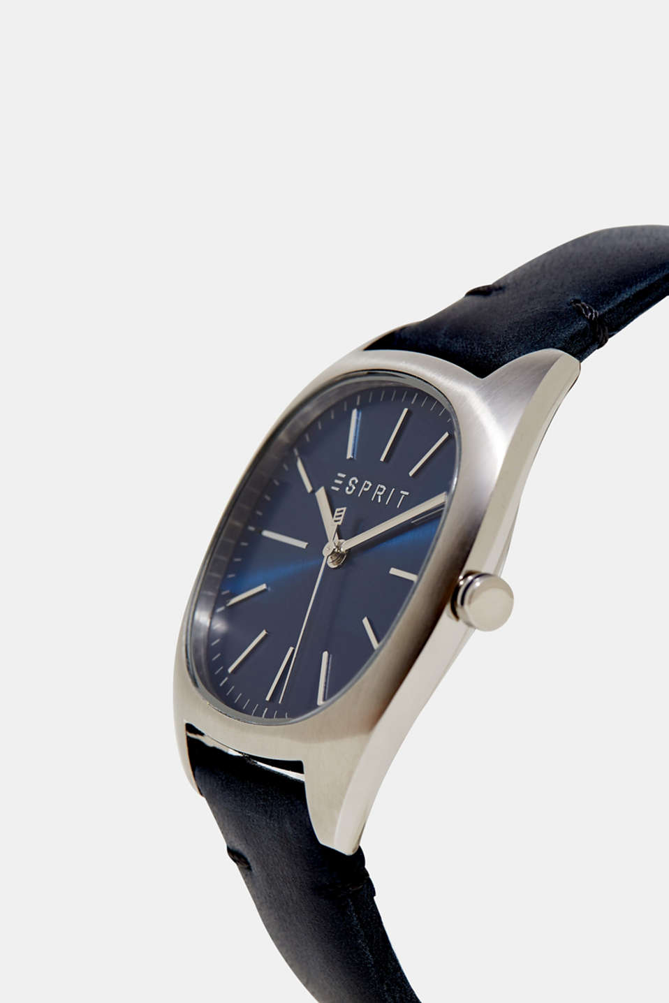 Mens watch with a leather strap