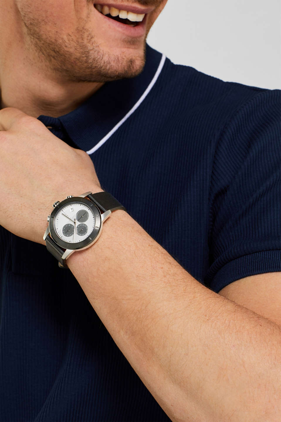 Stainless steel chronograph with a leather strap, BLACK, detail image number 2