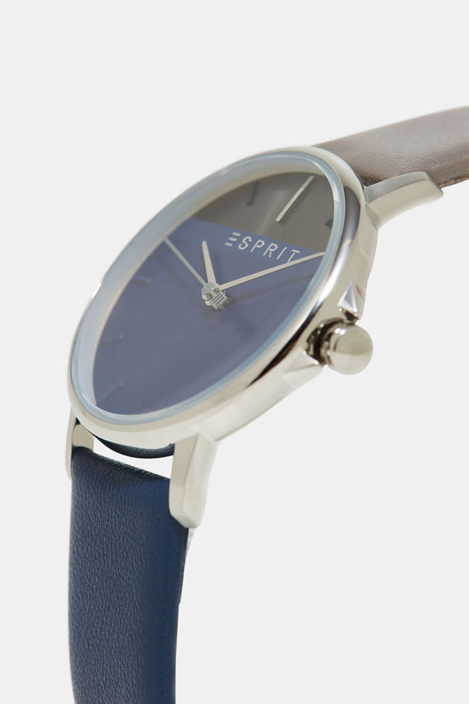 Colour block watch with a leather strap