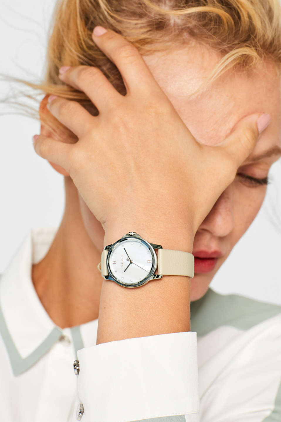 Stainless-steel watch with a leather strap, WHITE, detail image number 2