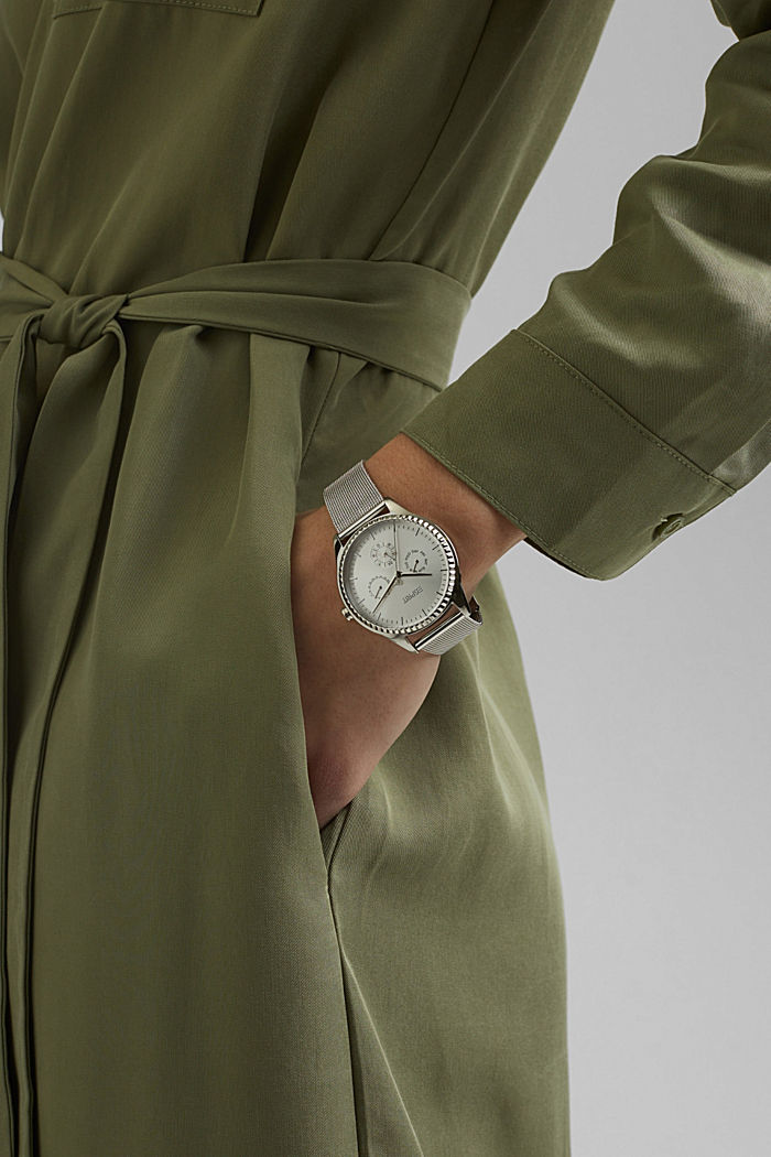 Multi-functional watch with a Milanese strap