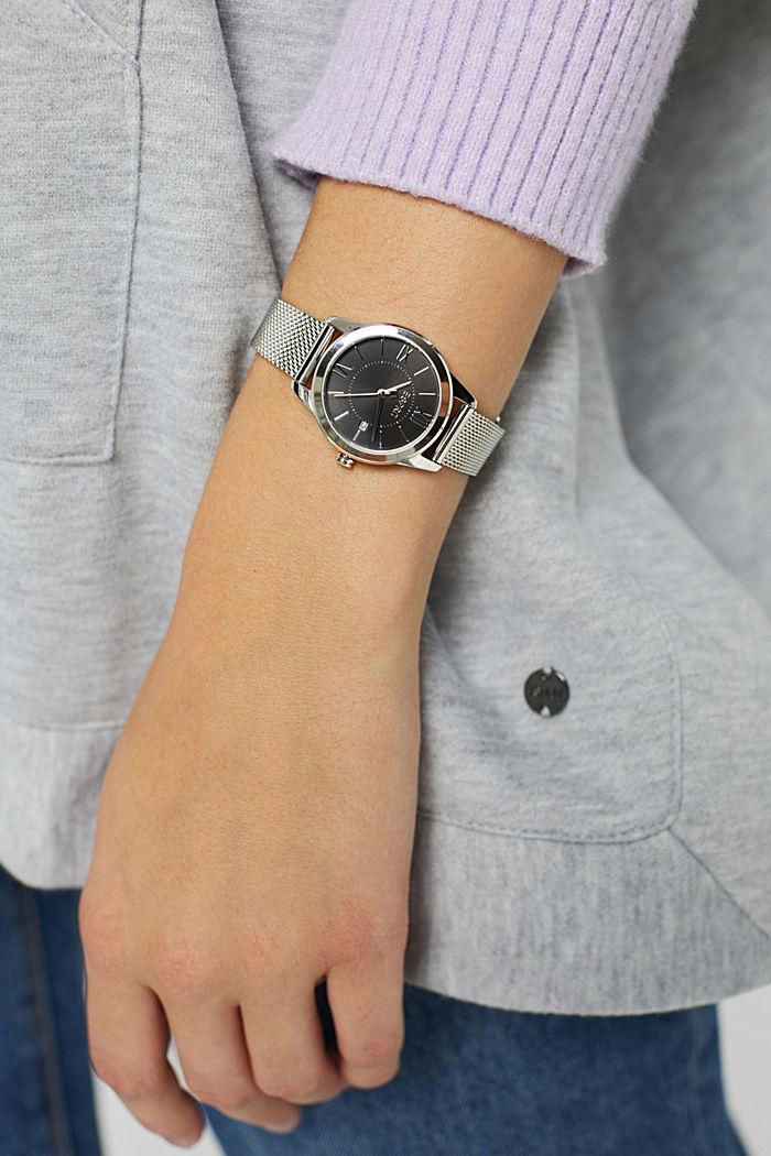 Montre en acier inoxydable à bracelet en maille milanaise
