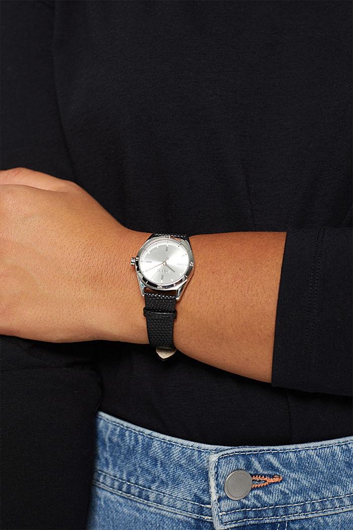 Klocka i rostfritt stål med skinnarmband och zirkoner