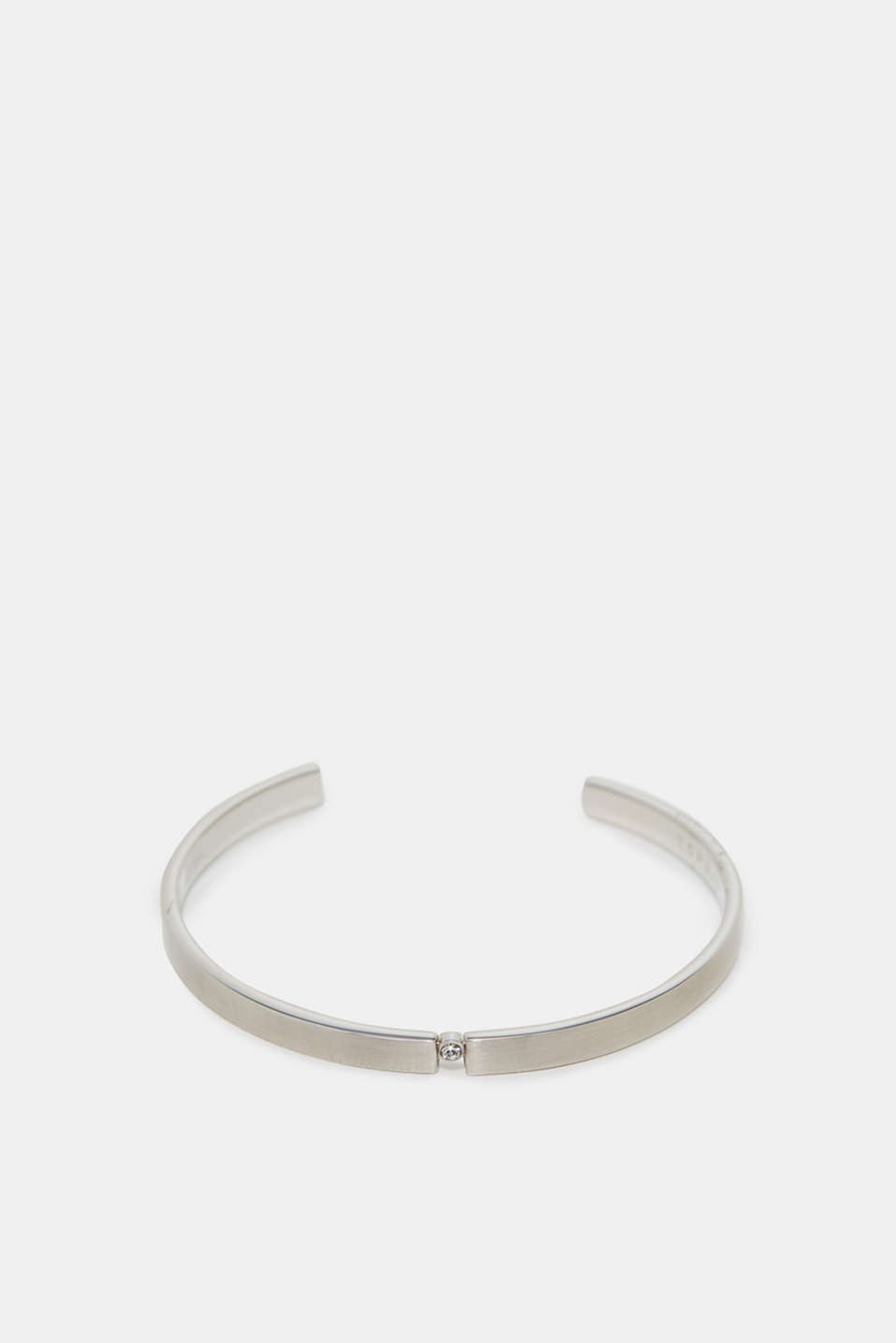 A minimalist design and single zirconia stone make this bangle an elegant piece of jewellery.