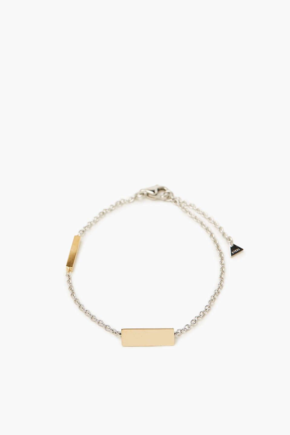 A fine bracelet with a geometric twist! The gold-plated triangular pendant rounds off this modern design.