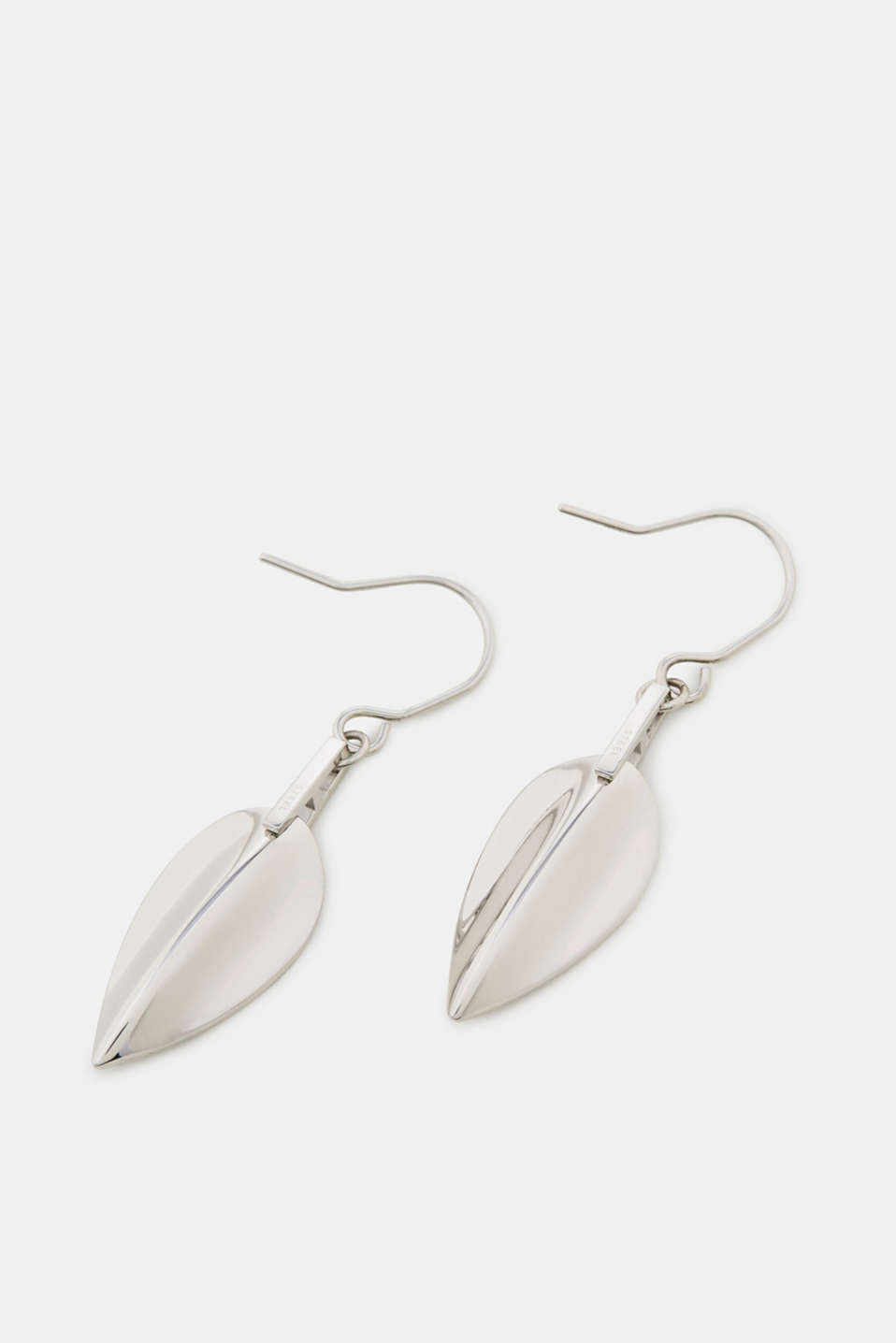 Earrings with a leaf-shaped pendant
