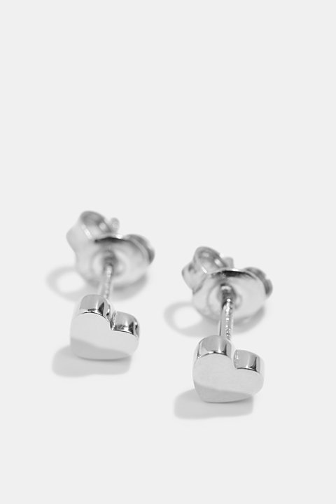 Heart-shaped stud earrings in sterling silver