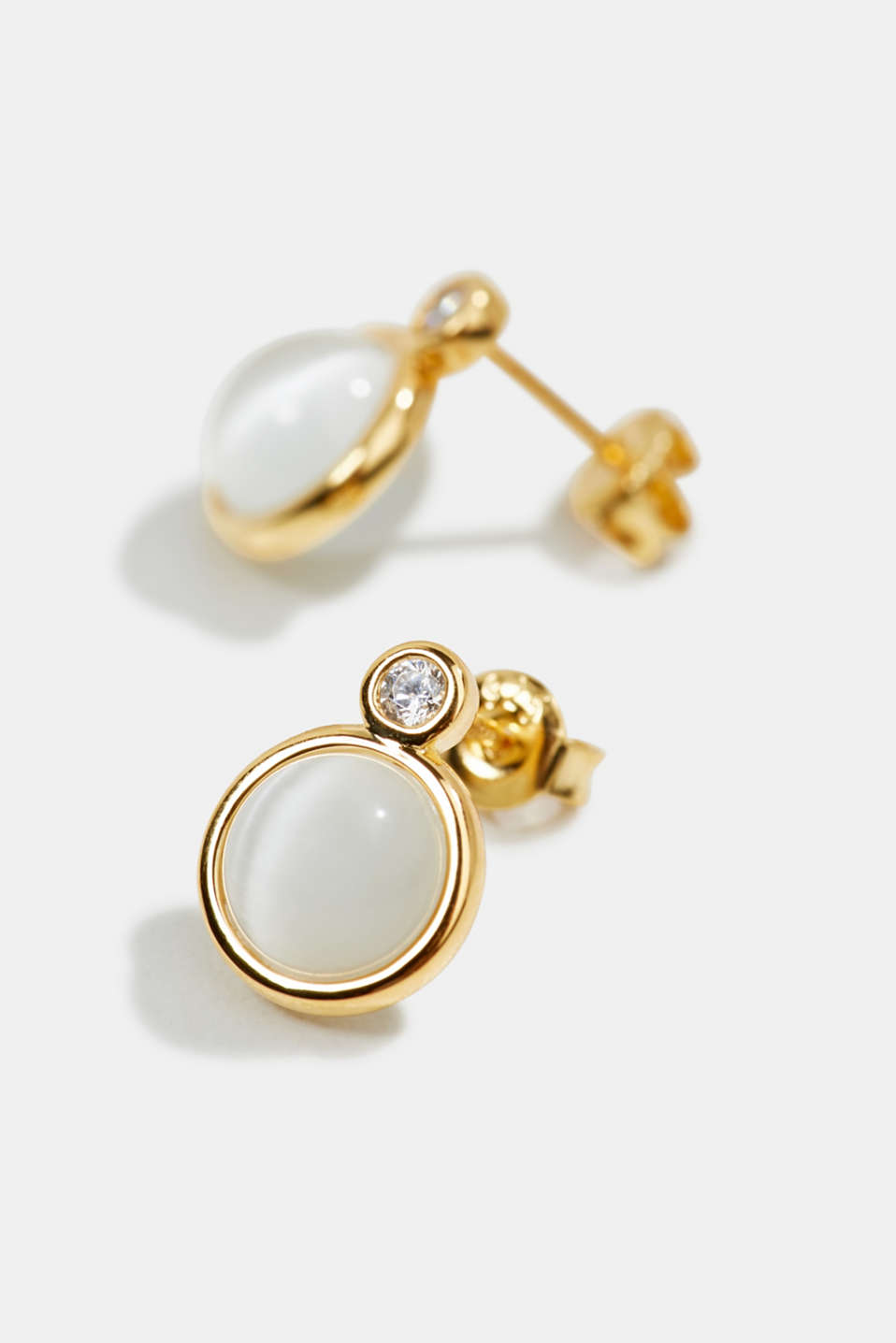 Stud earrings with an artificial pearl, sterling silver, LCGOLD, detail image number 1