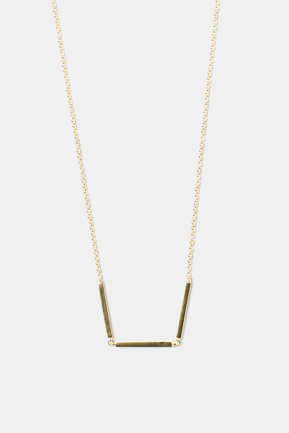 We love minimalist designs! This necklace stands out thanks to the narrow, multi-link pendant.