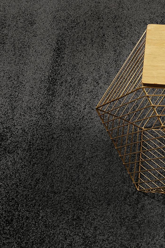 Web-Teppich, einfarbig und weich