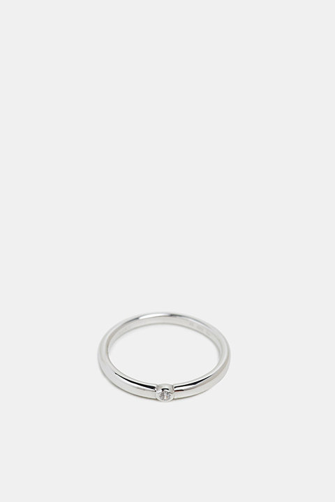 Stainless-steel ring trimmed with zirconia