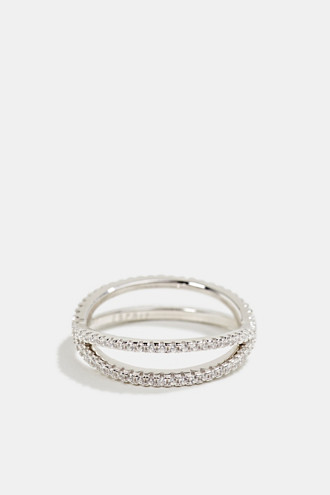 Beautifully shaped sterling silver-zirconia ring
