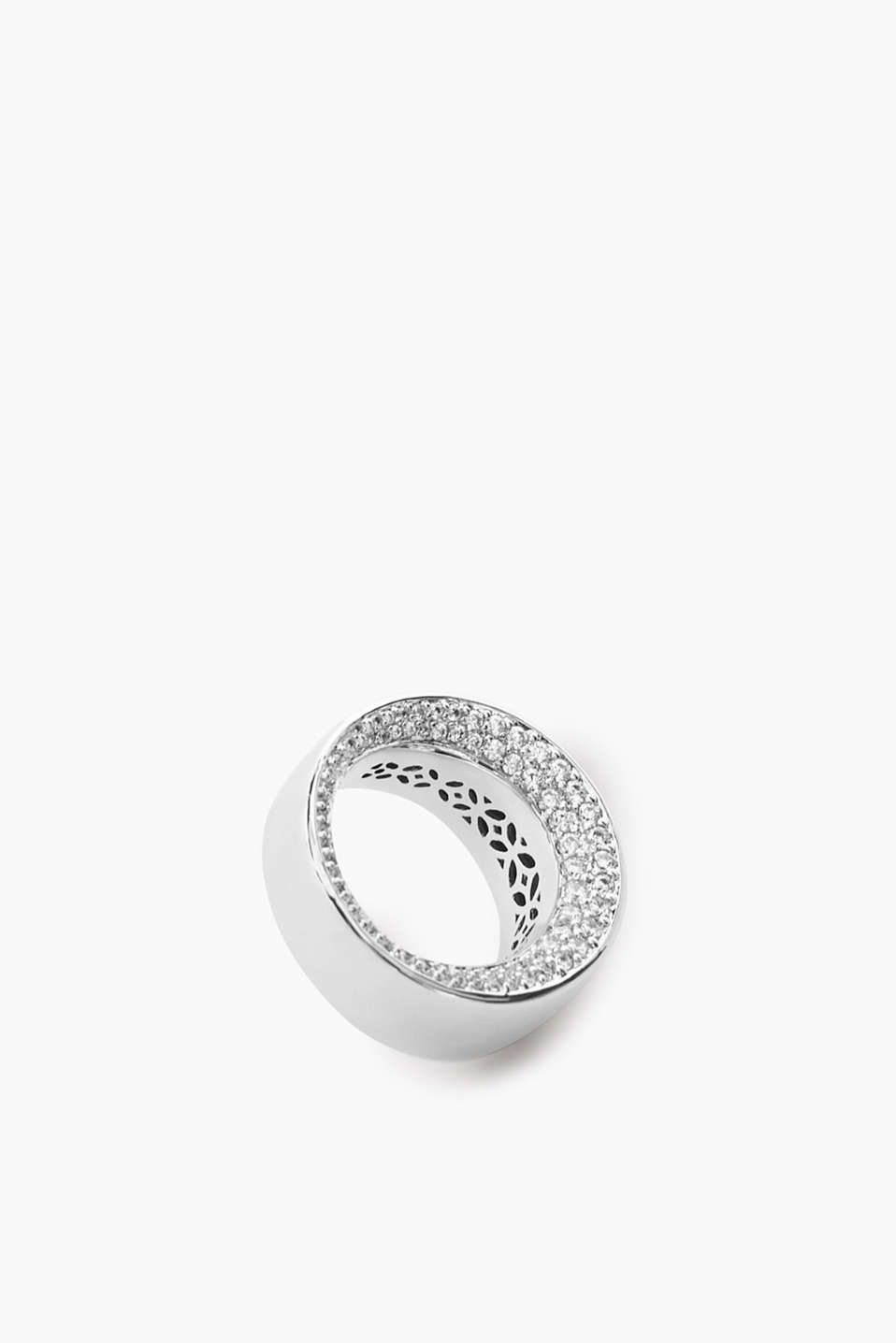 Polished metal ring with zirconia stones
