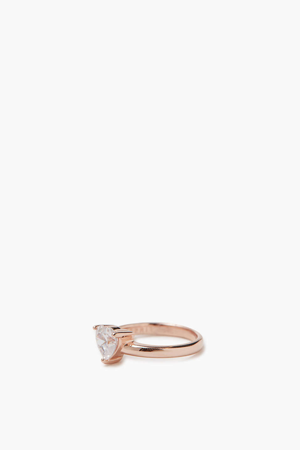 Ring with heart-shaped zirconias