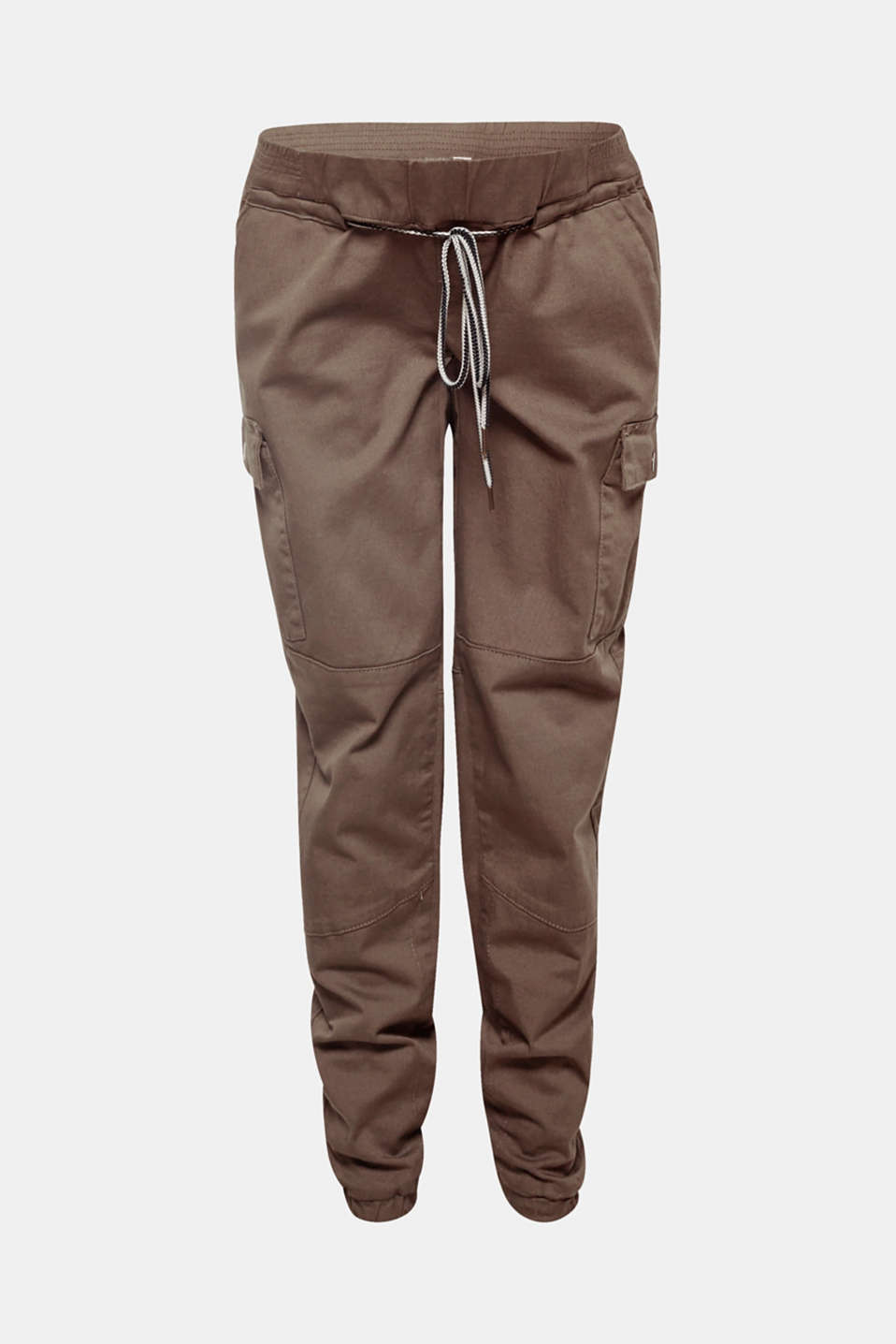 These grainy, slightly cropped cargo trousers in stretch cotton are ultra casual with patch pockets on the sides, elasticated hems and a supportive under-bump waistband!