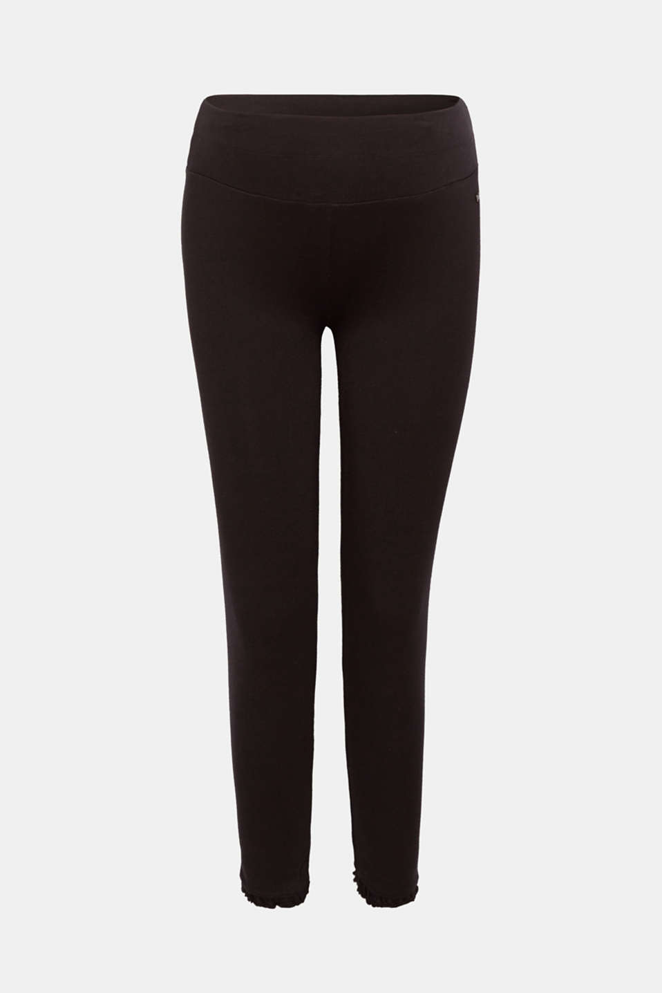 These capri leggings with playful frills on the leg hems are super comfy and ultra trendy!