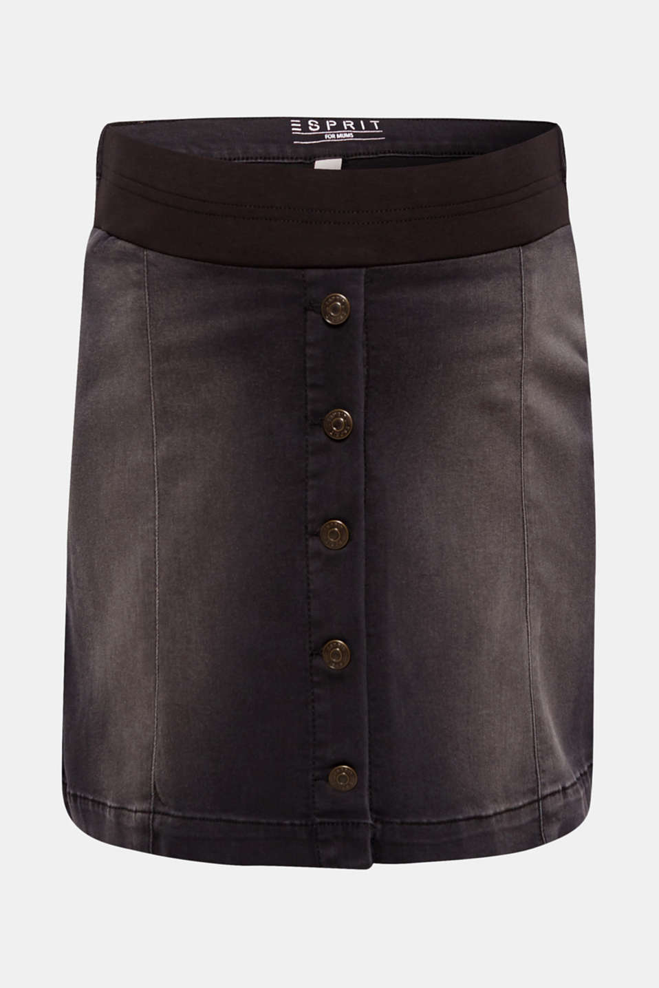 This is how the new style of denim skirts look: flared out in an airy fit and super stretchy, with a decorative button placket on the front
