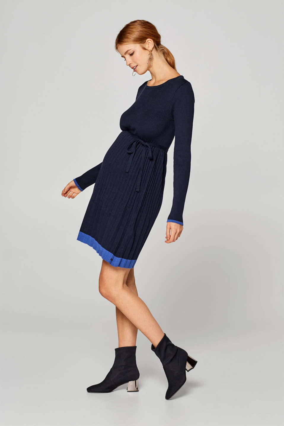 Esprit - Knitted dress with pleated skirt