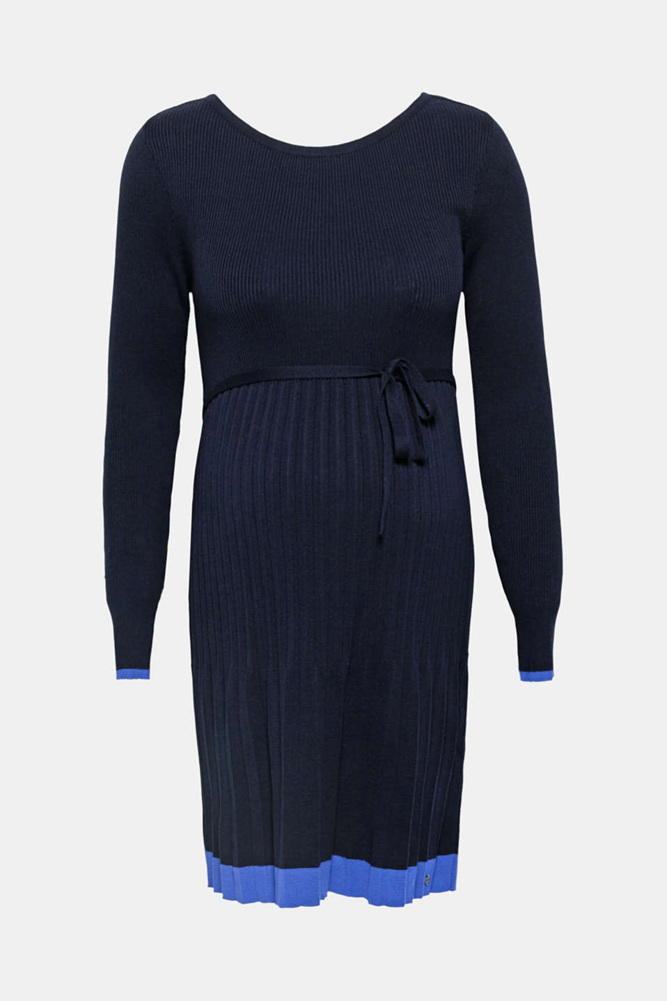 Chic and super comfy: This fine knit dress looks modern thanks to the pleated skirt and stripes in a contrasting colour on the sleeve ends and hem!