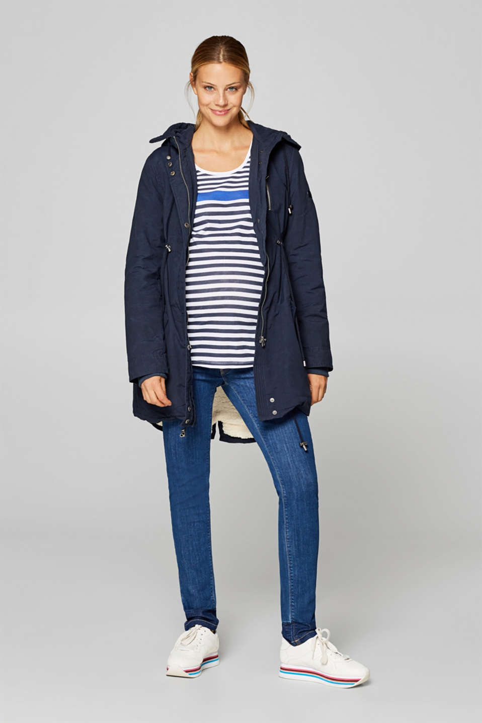 Stretch jeans with a striped under-bump waistband