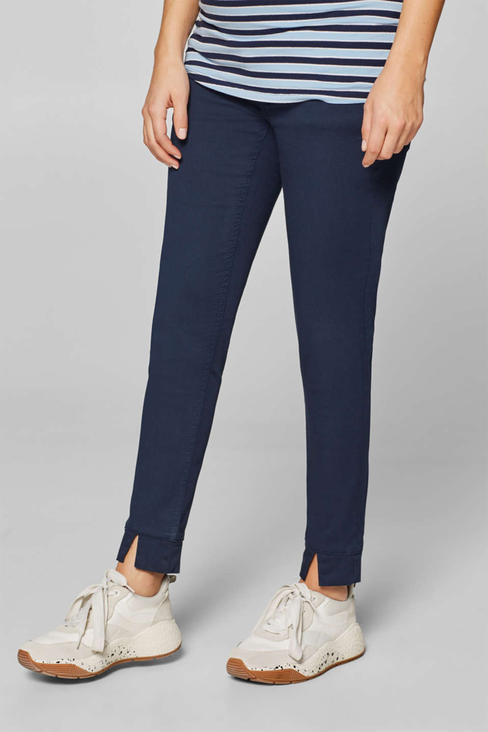 Esprit - Cropped stretch trousers with an over-bump waistband