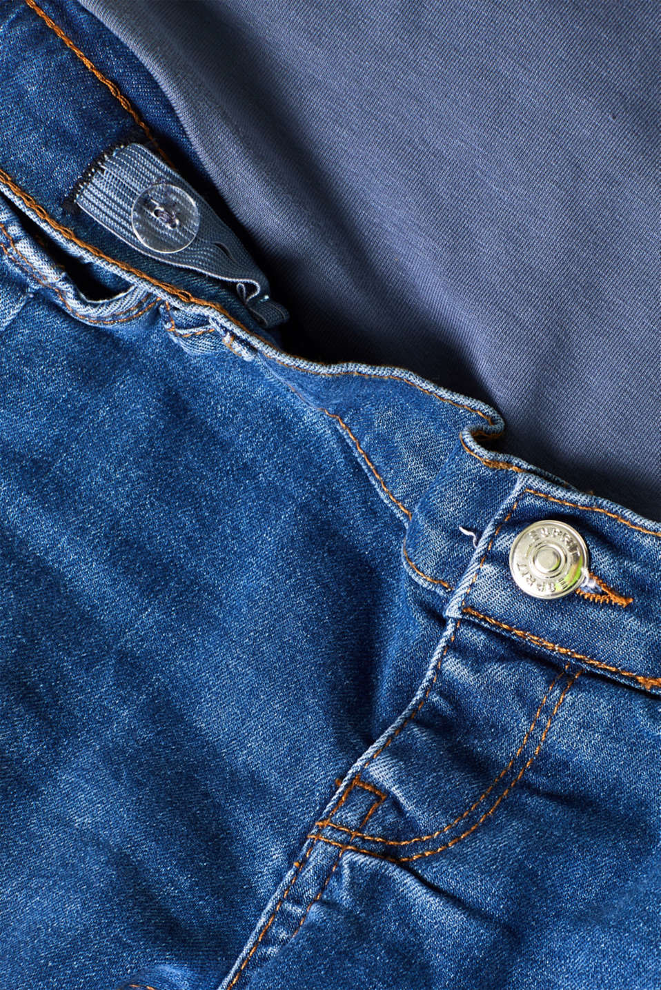 7/8 stretch jeans with an under-bump waistband, LCMEDIUM WASH, detail image number 4
