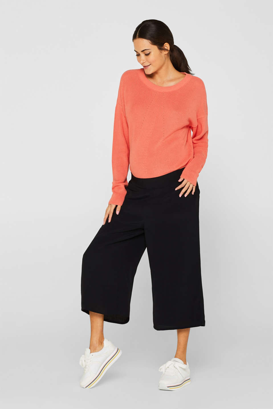 Crêpe culottes with an under-bump waistband, LCBLACK, detail image number 1