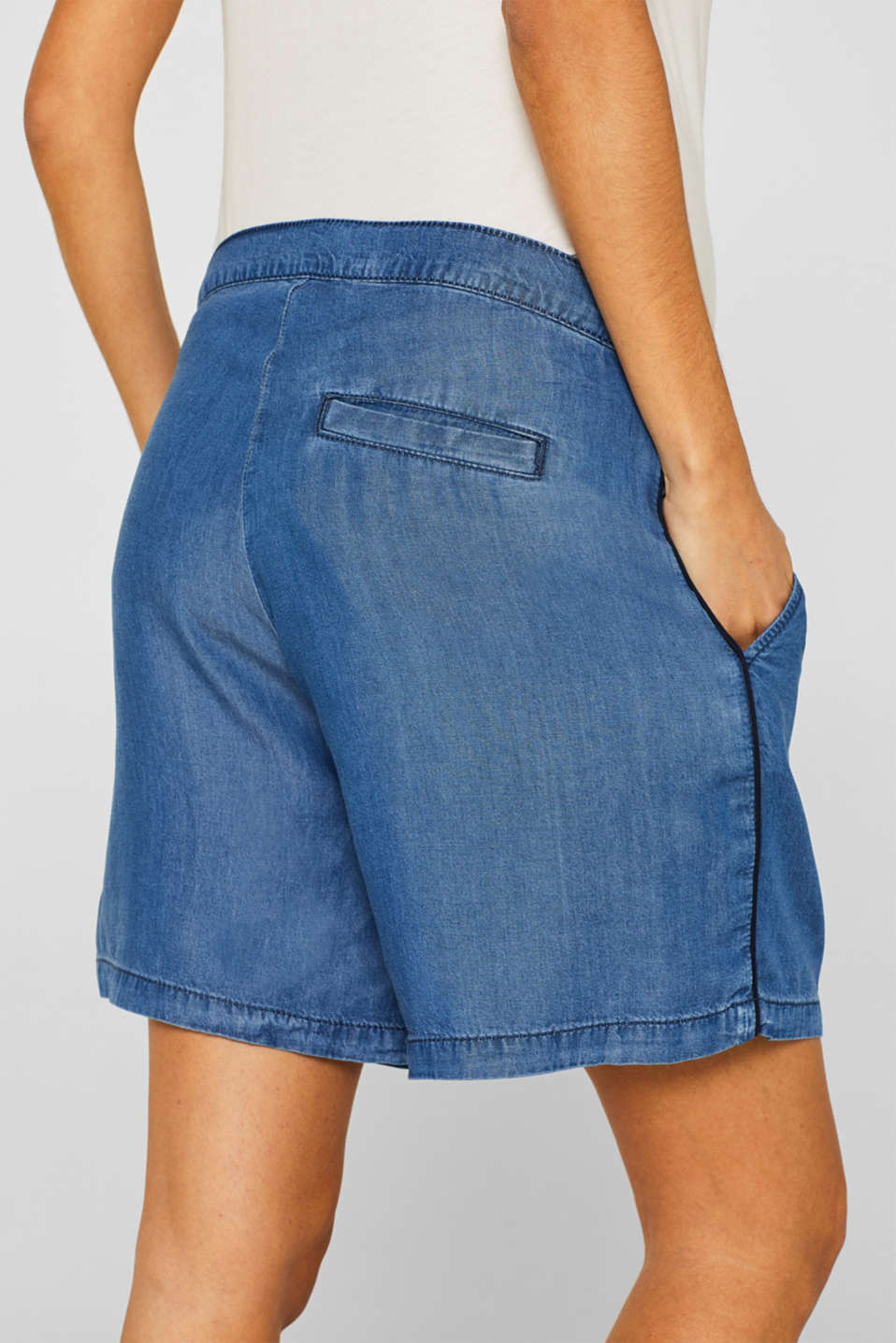 Denim-effect shorts, 100% lyocell, LCLIGHT BLUE, detail image number 6