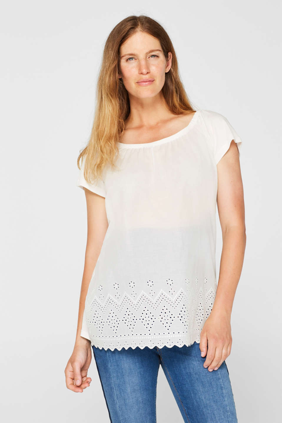 Esprit - Off-the-shoulder tee with broderie anglaise