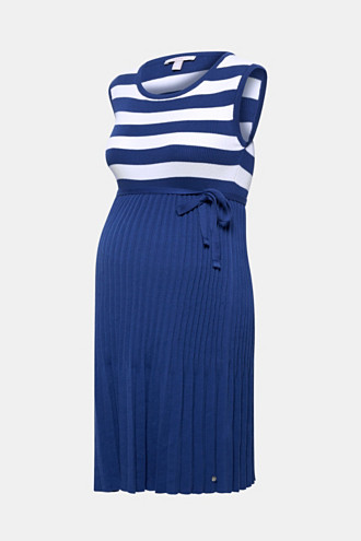 Fine-knit dress with stripes and a pleated skirt