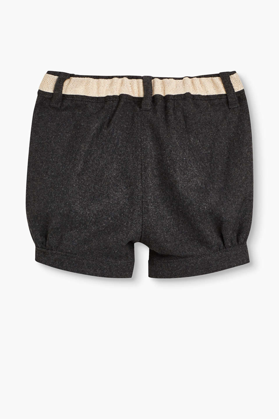 Winter shorts with a decorative bow
