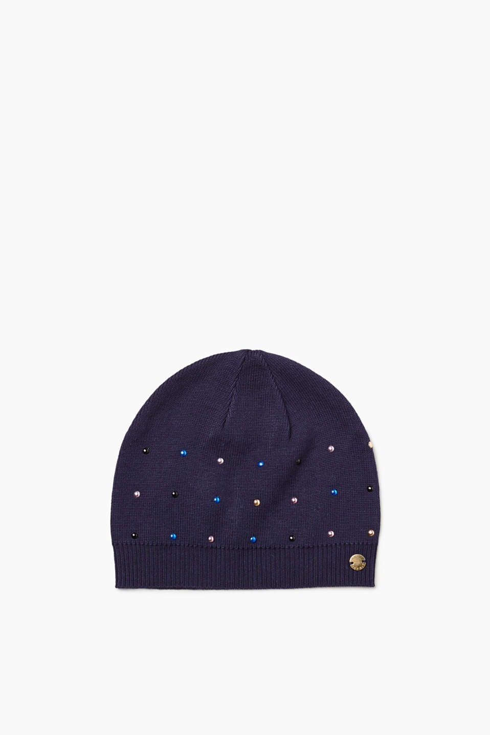 Warm ears and a pretty look: this knitted hat scores with a trim of colourful, shimmering studs