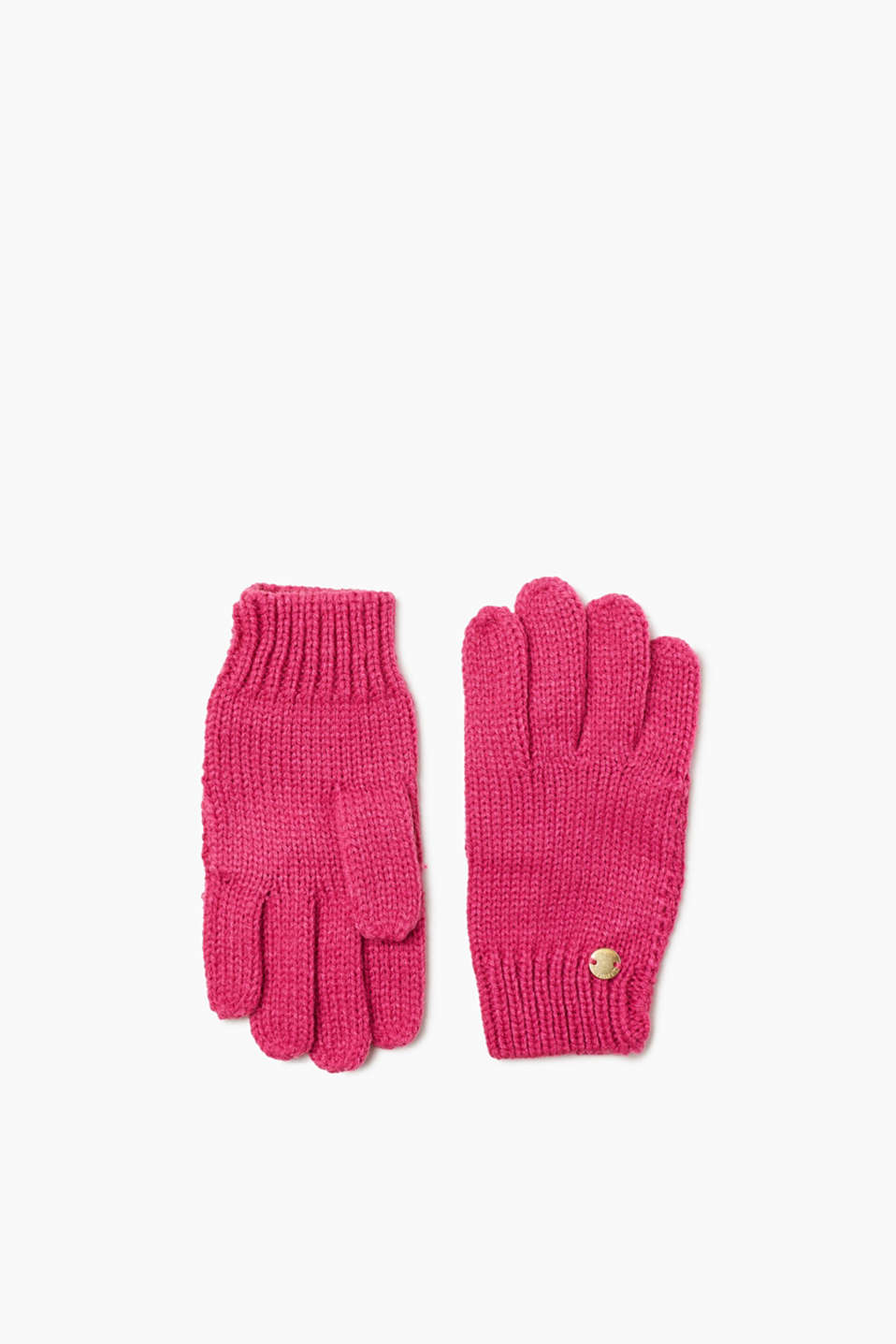 These plain coloured gloves in soft knit work with lots of outdoor clothes and are oh-so-simple!