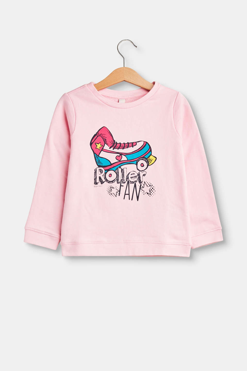 This soft cotton sweatshirt with a fancy roller skates print will win over girls hearts in an instant.