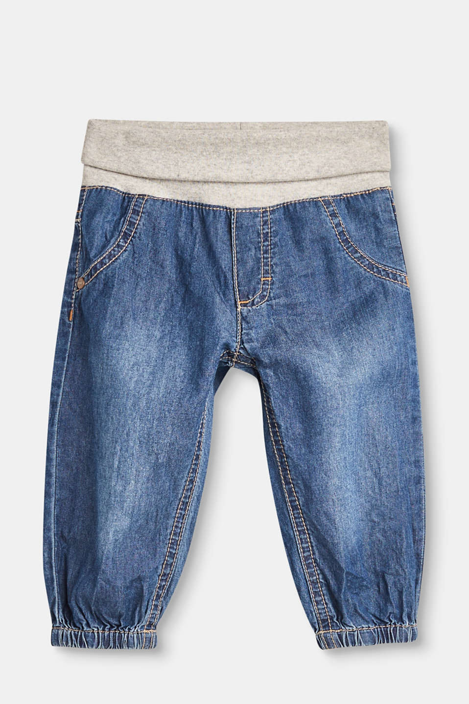 The soft cotton denim and elasticated, ribbed waistband make these jeans a real feel-good piece!