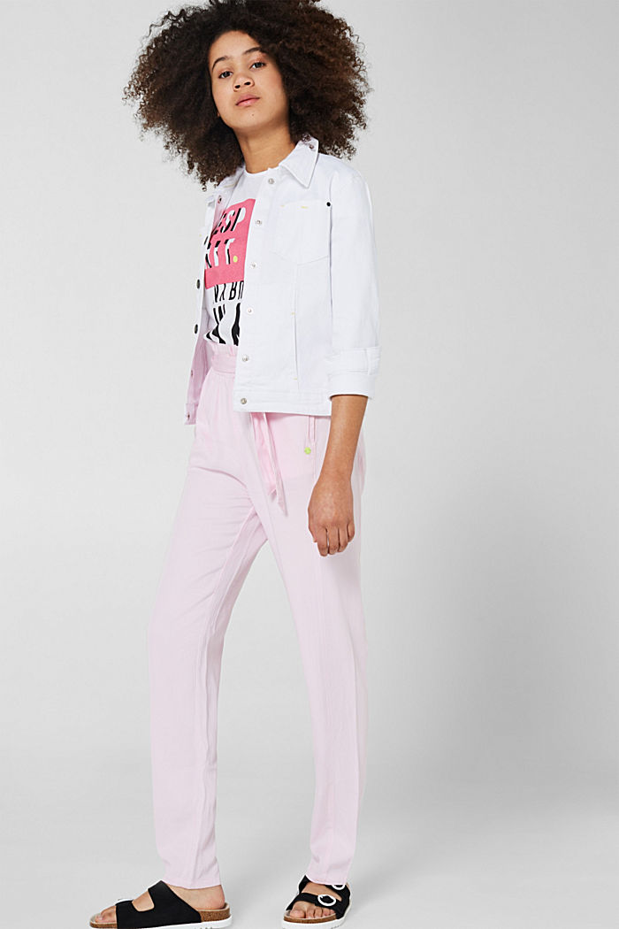 Flowing woven trousers with a paperbag waistband