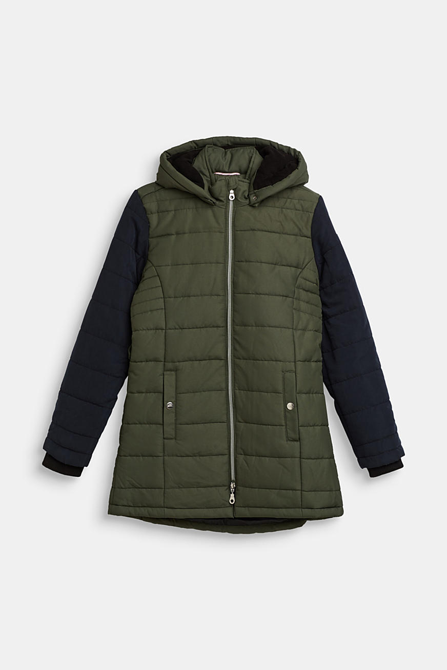 Padded parka with an adjustable hood