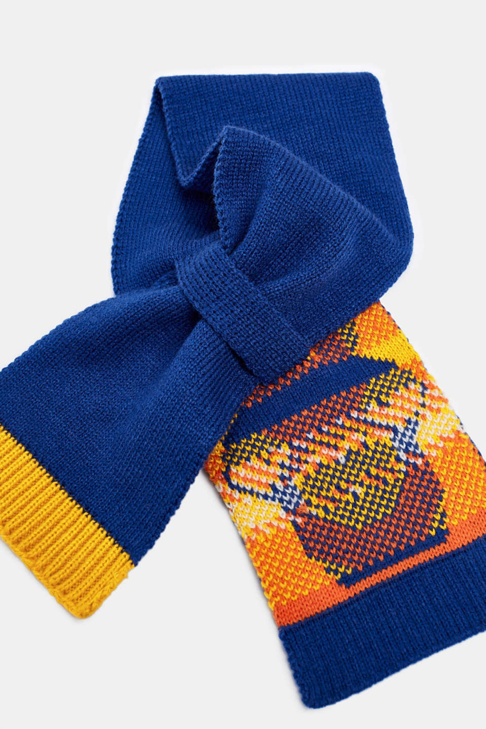 Knitted scarf with a llama face, LCINDIGO, detail image number 1
