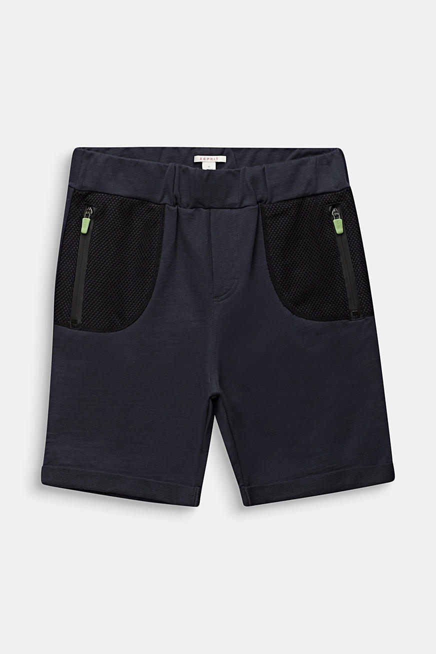 Sweatshirt shorts with mesh inserts