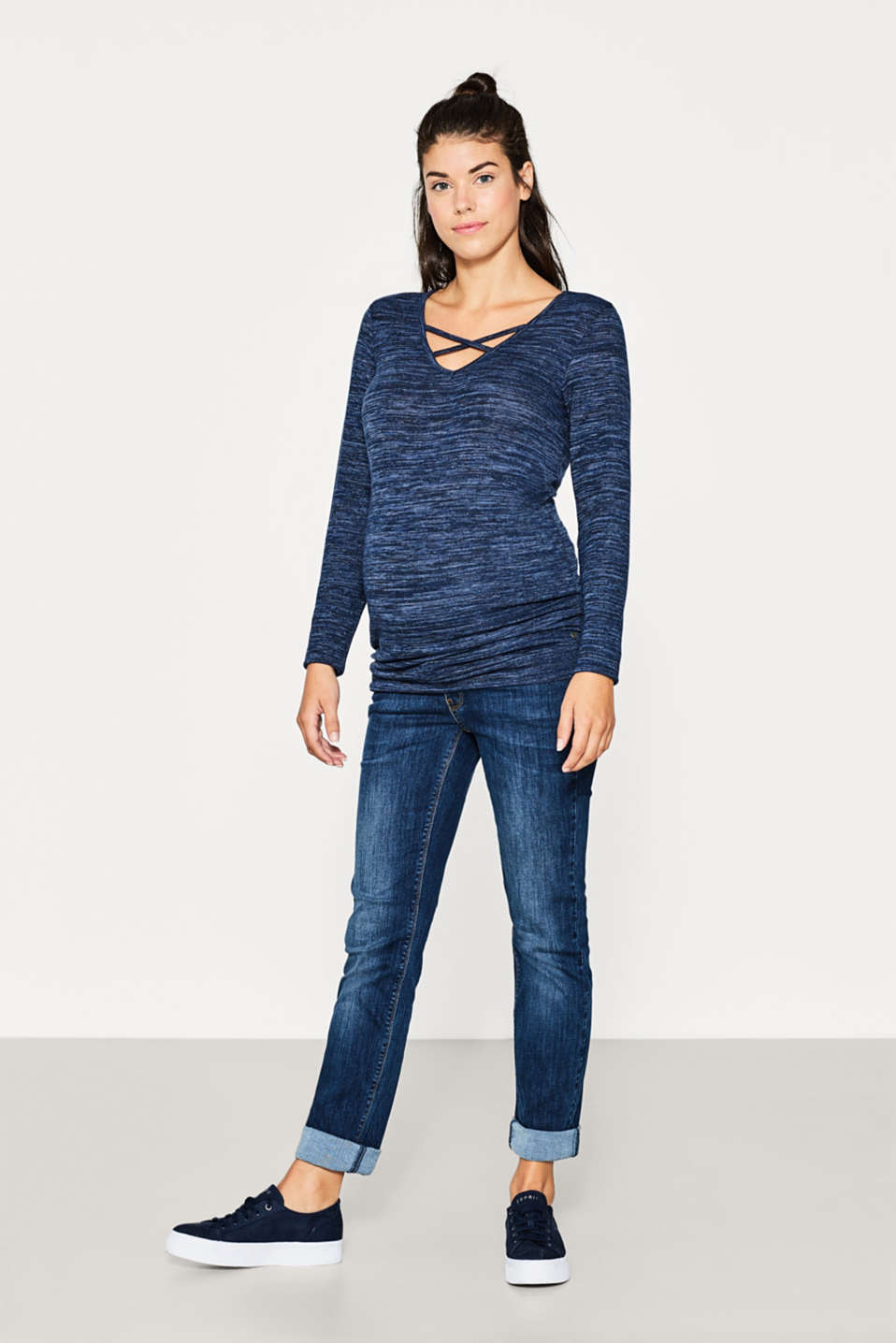 Melange jumper with a trendy neckline