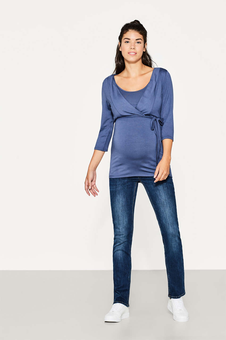 Stretchy top for nursing