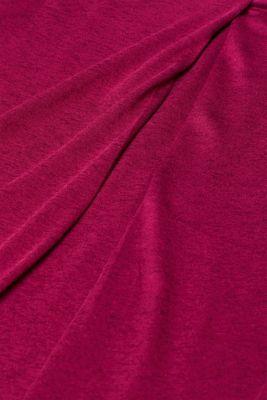 With linen: melange long sleeve top with a front pleat, PLUM RED, detail