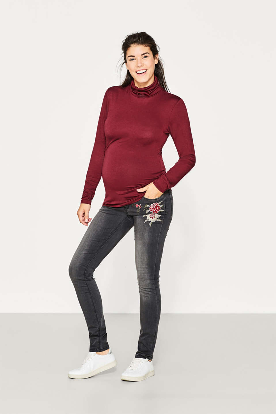 Esprit - Embroidered jeans, over-bump waistband